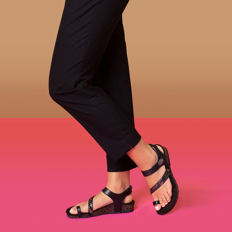 Georgia Toe Loop Sandal